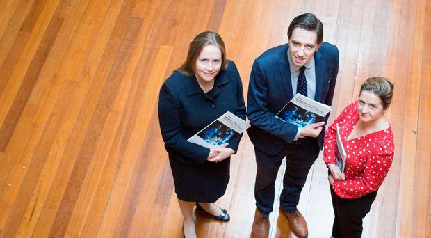 Chair of the Working Group, Ms Deborah McNamara, Consultant in General and Colorectal Surgery, Beaumont Hospital, Minister for Health, Simon Harris TD and Dr Ailin Rodgers, Senior Surgical Trainee at the RCSI. Photo by Julien Behal