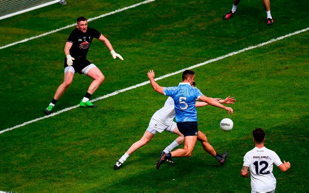 James McCarthy shoots to score Dublin's second goal of the game. Photo: Seb Daly/Sportsfile