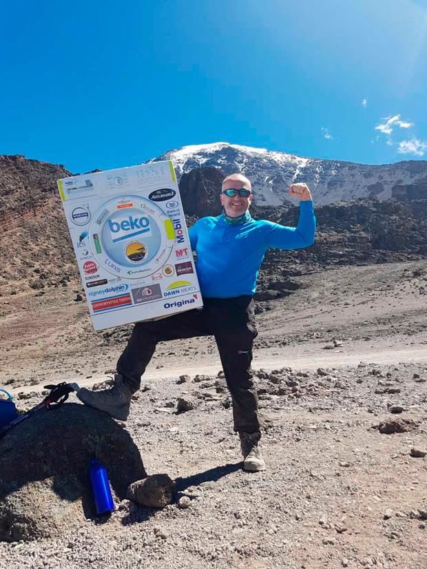 Enda O'Doherty pictured at the Barafu Camp with the Beko Washing Machine the day before Summit night