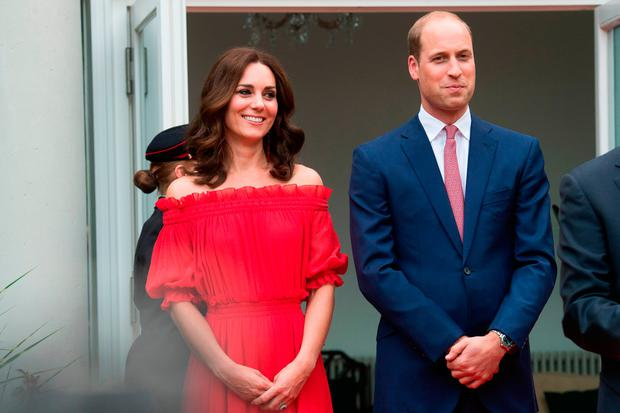 Kate Middleton & Prince William Arrive in Poland with George & Charlotte!