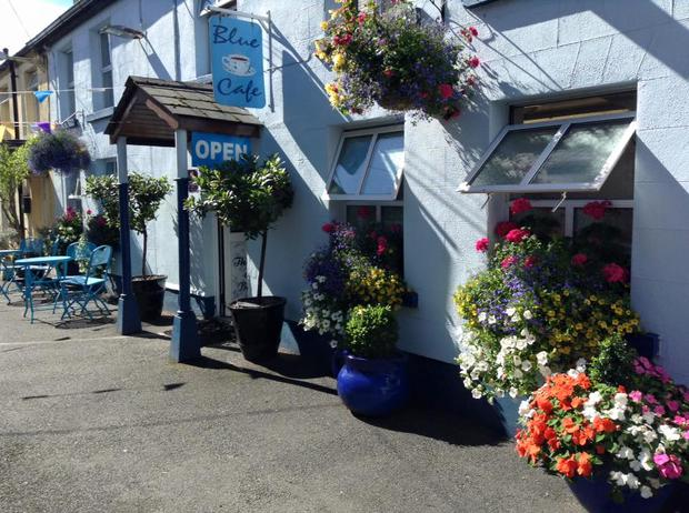 This Arklow Cafe Had The Best Response To A Starbucks Opening Nearby