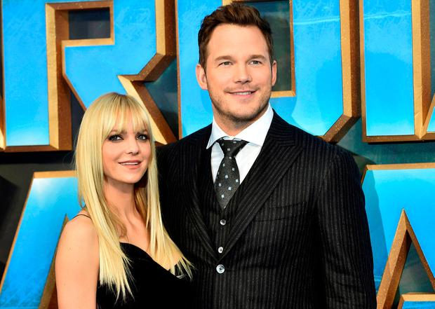 Chris Pratt (R) poses with his wife Anna Faris as they attend a premiere of the film