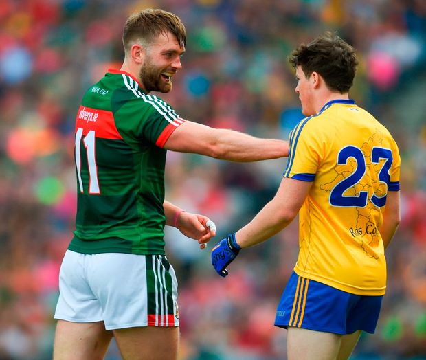Mayo's Aidan O'Shea has words with Roscommon's Gary Patterson. Photo by Daire Brennan/Sportsfile