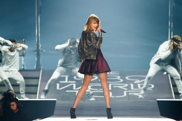Taylor Swift performs on stage for the 1989 World Tour at CenturyLink Center on May 20, 2015 in Bossier City, Louisiana. (Photo by Christopher Polk/Getty Images for TAS)