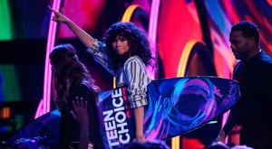 2017 Teen Choice Awards – Show – Los Angeles, California, U.S., 13/08/2017 - Zendaya accepts the Choice Summer Movie Actress award for