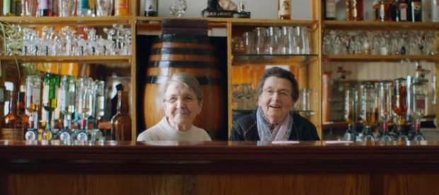 Nan Brennan (pictured left) with her sister Patricia in the Guinness ad