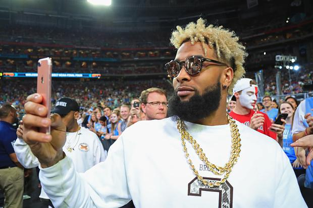 NFL player Odell Beckham Jr. of the New York Giants attends the game between the North Carolina Tar Heels and the Oregon Ducks during the 2017 NCAA Men's Final Four Semifinal at University of Phoenix Stadium on April 1, 2017 in Glendale, Arizona. (Photo by Tom Pennington/Getty Images)