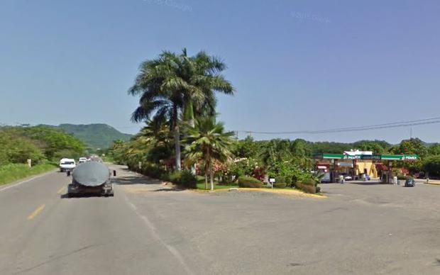 The man was travelling with his partner in a van when they stopped to ask for directions at a gas station at La Garzas de La Mira (Photo; Google Maps)