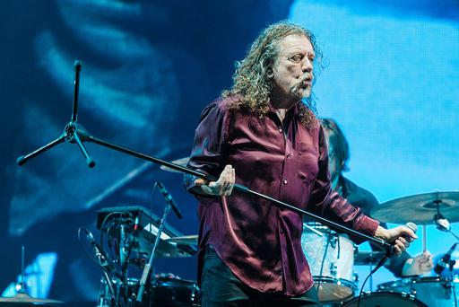 SAO PAULO, BRAZIL - MARCH 28: Robert Plant performs during 2015 Lollapalooza Brazil at Autodromo de Interlagos on March 28, 2015 in Sao Paulo, Brazil. (Photo by Mauricio Santana/Getty Images)