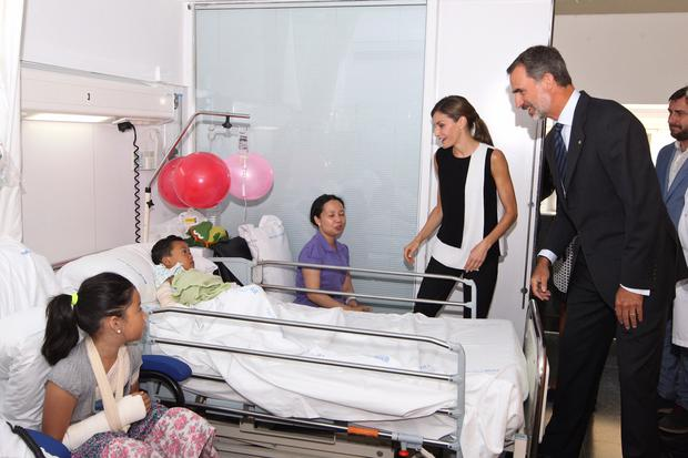 Spain's King Felipe and Queen Letizia visited the Potot family today in Barcelona