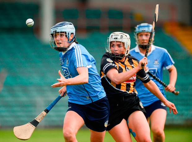 Eve O'Brien of Dublin in action against Shelly Farrell of Kilkenny Photo: Sportsfile