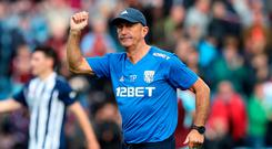 Tony Pulis celebrates after the match Photo: Reuters