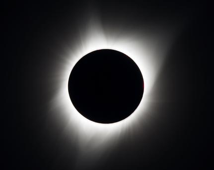 CT optometrist explains how eclipse could cause eye damage