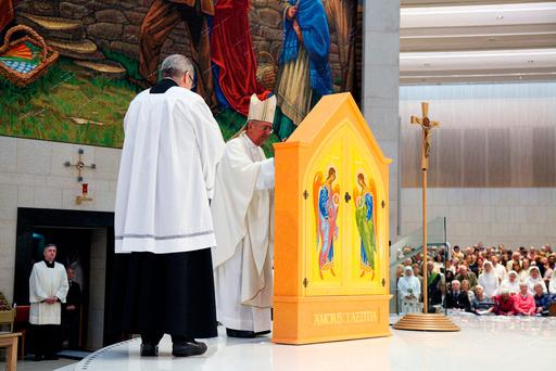 Archbishop Diarmuid Martin blessing the Icon at the launch of the one-year countdown to the World Meeting of Families 2018. Photo: John McElroy