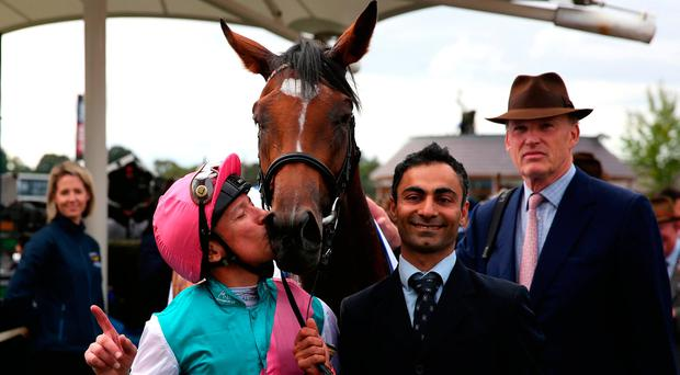 Enable kissed by jockey Frankie Dettori