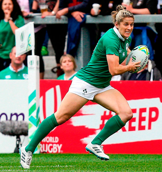 Ireland's Alison Miller makes a break during the match against Wales. Photo by Oliver McVeigh/Sportsfile