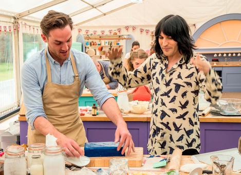 Noel Fielding with contestant Tom (left) during Episode 1 of Channel 4's cookery contest, The Great British Bake Off.