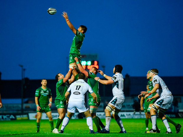 2 September 2017; Jarrad Butler of Connacht Rugby takes the ball in the lineout against Glasgow Warriors during the Guinness PRO14 Round 1 match between Connacht Rugby and Glasgow Warriors at the Sportsground in Galway. Photo by Matt Browne/Sportsfile