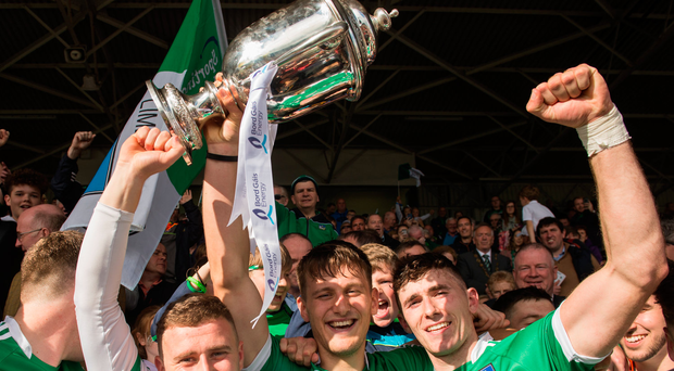 9 September 2017; Limerick captain Tom Morrissey and team-mates Cian Hedderman, left, and Barry Nash, right, celebrate with The James Nowlan Cup after the Bord Gáis Energy GAA Hurling All-Ireland U21 Championship Final match between Kilkenny and Limerick at Semple Stadium in Thurles, Co Tipperary. Photo by Piaras Ó Mídheach/Sportsfile