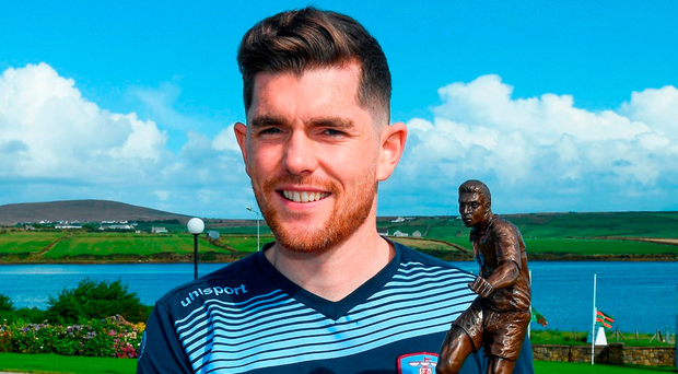 Ronan Murray with the Player of the Month award for August. Photo: Ray McManus/Sportsfile