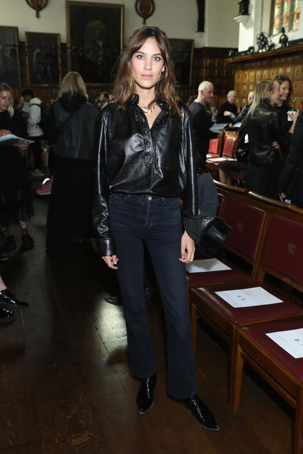 LONDON, ENGLAND - SEPTEMBER 16: Alexa Chung attends the Simone Rocha show at Middle Temple Hall on September 16, 2017 in London, England. (Photo by Darren Gerrish/WireImage)