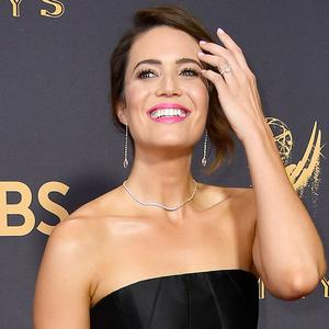 LOS ANGELES, CA - SEPTEMBER 17: Actor Mandy Moore attends the 69th Annual Primetime Emmy Awards at Microsoft Theater on September 17, 2017 in Los Angeles, California. (Photo by Frazer Harrison/Getty Images)