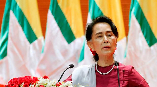 Myanmar State Counselor Aung San Suu Kyi delivers a speech to the nation over Rakhine and Rohingya situation, in Naypyitaw, Myanmar September 19, 2017. REUTERS/Soe Zeya Tun TPX IMAGES OF THE DAY