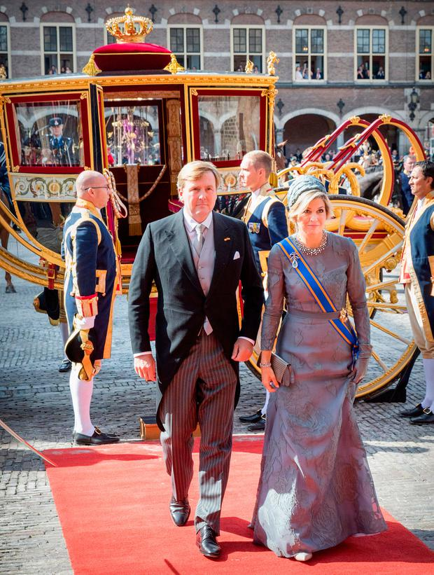 King Willem-Alexander of The Netherlands and Queen Maxima of The Netherlands arrive at the Ridderzaal with the Glass Coach during Prinsjesdag on September 19, 2017 in The Hague, Netherlands. Prinsjesdag is the annual opening of the Dutch Parliamentary year. (Photo by Patrick van Katwijk/Getty Images)