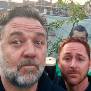 Russell Crowe and Scott Grimes. PIC: Russell Crowe/Twitter