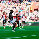 SOUTHAMPTON, ENGLAND - SEPTEMBER 23: Romelu Lukaku of Manchester United scores the opening goal during the Premier League match between Southampton and Manchester United at St Mary's Stadium on September 23, 2017 in Southampton, England. (Photo by Dan Mullan/Getty Images)