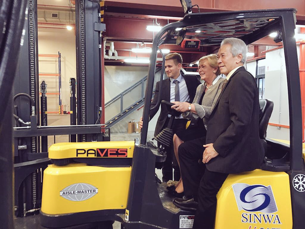 Minister on board - Frances Fitzgerald T.D., Minister for Business, Enterprise and Innovation with Philip Condell, Combilift and Sim Yong Teng, Executive Chairman, Sinwa Global