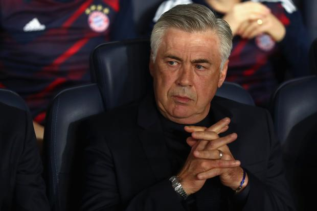 Carlo Ancelotti, head coach of FC Bayern Muenchen looks on prior to the UEFA Champions League group B match between Paris Saint-Germain and Bayern Muenchen at Parc des Princes on September 27, 2017 in Paris, France. (Photo by Alexander Hassenstein/Bongarts/Getty Images)