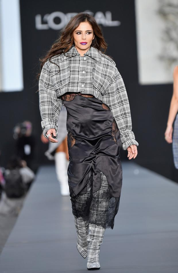 Cheryl Cole walks the runway during the Le Defile L'Oreal Paris show as part of the Paris Fashion Week Womenswear Spring/Summer 2018 on October 1, 2017 in Paris, France. (Photo by Dominique Charriau/WireImage)