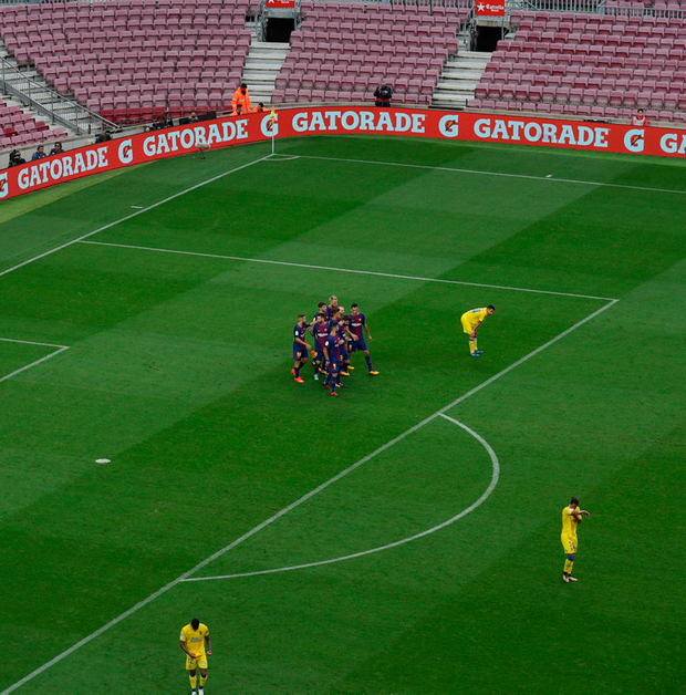 Barcelona play in an empty Nou Camp