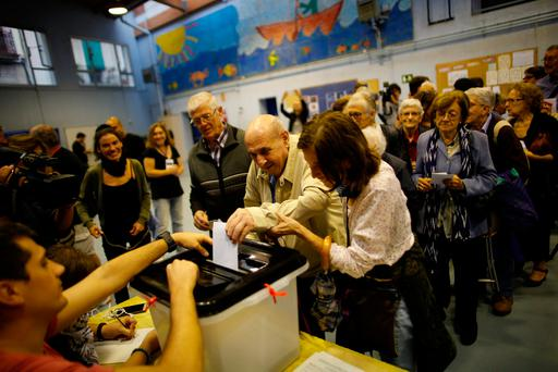 The older generation of Catalans are more keen on maintaining the link with Spain. Photo: Reuters/Jon Nazca
