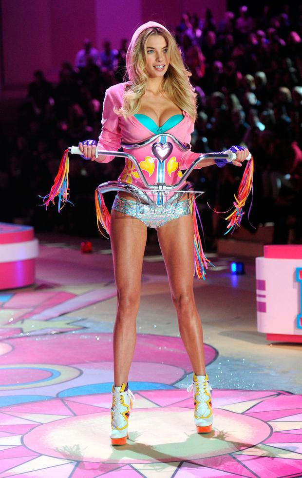 Model Jessica Hart walks the runway during the 2012 Victoria's Secret Fashion Show at the Lexington Avenue Armory on November 7, 2012 in New York City. (Photo by Jamie McCarthy/Getty Images)