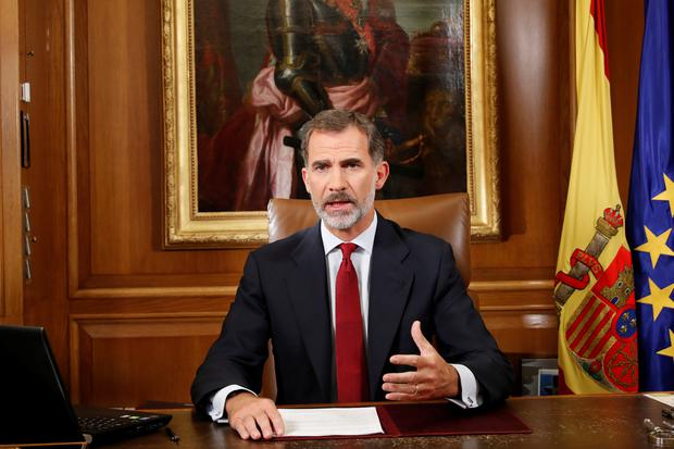 Spain's King Felipe gestures as he make an statement at Zarzuela Palace in Madrid, Spain, October 3, 2017. Casa de SM El Rey/Francisco Gomez Handout via REUTERS