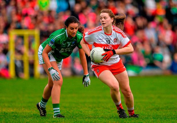 Annie Crozier of Derry in action against Aisling Woods of Fermanagh. Photo by Oliver McVeigh/Sportsfile
