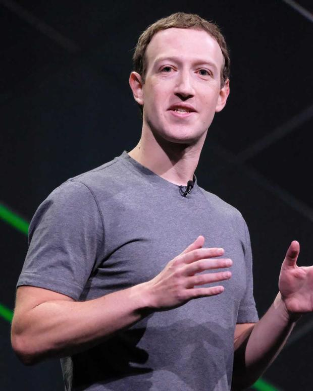 Facebook CEO Mark Zuckerberg presenting at Oculus 4, Facebook's annual virtual reality conference