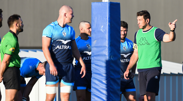 Assistant coach Nathan Hines delivers his message to Montpellier players during training and the former Leinster man will be hoping for a French victory when his team take on his old team this afternoon. Photo: Getty Images