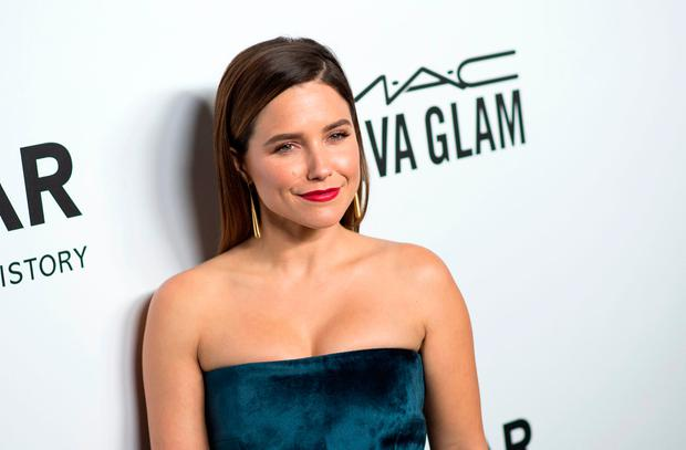 Actor Sophia Bush attends the amfAR Gala Los Angeles honoring Julia Roberts on October 13, 2017 in Beverly Hills, California. / AFP PHOTO / VALERIE MACONVALERIE MACON/AFP/Getty Images