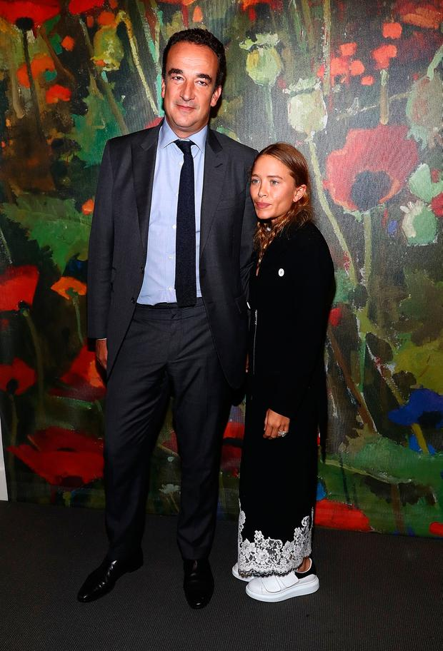 Mary-Kate Olsen 31 Makes Rare Public Appearance With -5543
