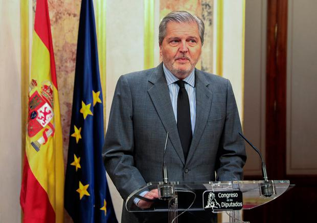 Spanish government spokesperson Inigo Mendez de Vigo makes a statement regarding the situation in Catalonia in Madrid, October 19, 2017. REUTERS/Sergio Perez