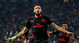 Soccer Football - Europa League - Red Star Belgrade vs Arsenal - Rajko Mitic Stadium, Belgrade, Serbia - October 19, 2017 Arsenal's Olivier Giroud celebrates scoring their first goal Action Images via Reuters/Matthew Childs