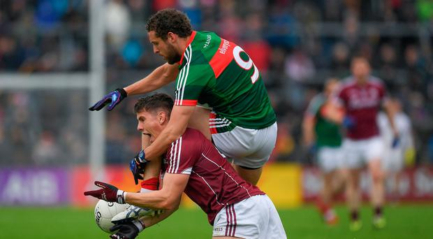 11 June 2017; Shane Walsh of Galway in action against Tom Parsons of Mayo during the Connacht GAA Football Senior Championship Semi-Final match between Galway and Mayo at Pearse Stadium, in Salthill, Galway. Photo by Ray McManus/Sportsfile