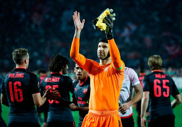 Goalkeeper Petr Cech (C) greets the Arsenal supporters after the game in Belgrade. Photo: Srdjan Stevanovic/Getty Images