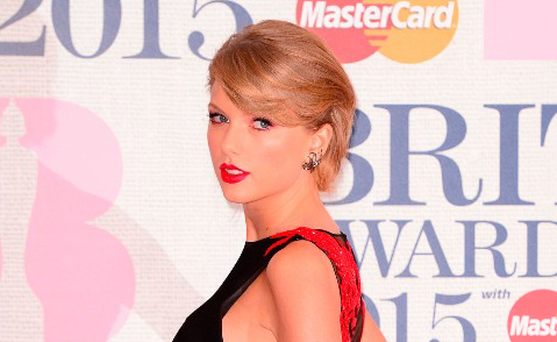 Taylor Swift sends fans wild with