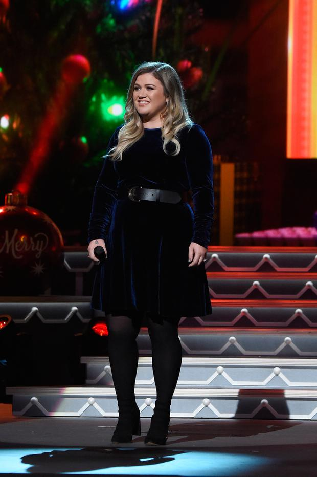 Kelly Clarkson performs on stage during the CMA 2016 Country Christmas on November 8, 2016 in Nashville, Tennessee. (Photo by Rick Diamond/Getty Images)