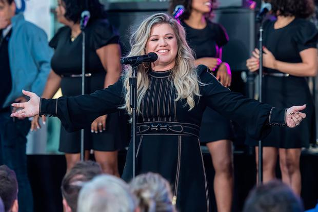 Kelly Clarkson performs on stage at the Citi Concert Series on NBC's 'Today' at Rockefeller Plaza on September 8, 2017 in New York City. (Photo by Gilbert Carrasquillo/Getty Images)