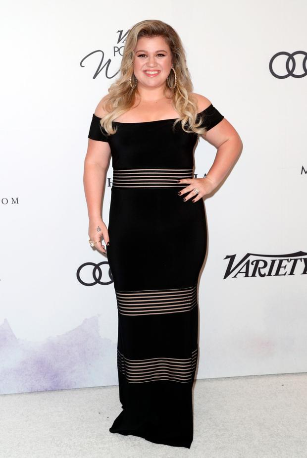 Kelly Clarkson says she contemplated suicide when she was told to ...